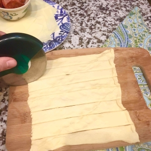 03 Slice Dough Into Strips