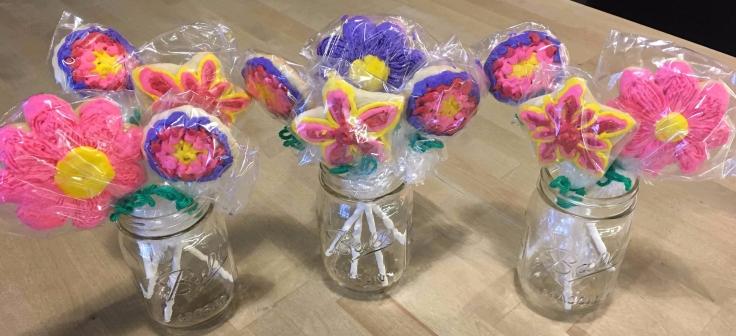 Flower Cookies in Mason Jars