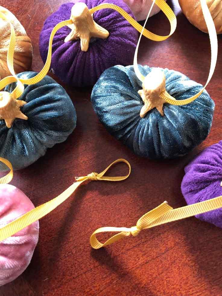 12 Velvet Pumpkin Garland