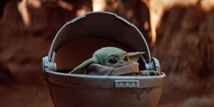 Baby Yoda in Hover Egg