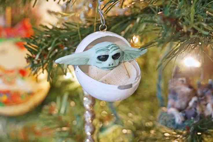 DIY Baby Yoda Ornament